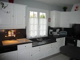 Comment relooker une ancienne cuisine blog decoration maison - Cuisine repeinte en noir ...