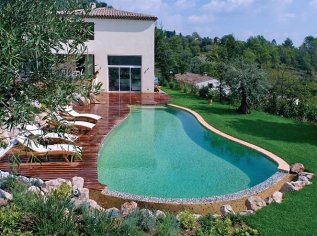 Une piscine petit prix pour un budget limit blog for Piscine a debordement prix