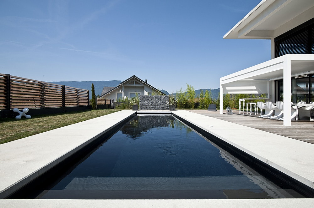 Piscine noir hollypool selection noir blanc i piscine sur for Liner de piscine sur mesure