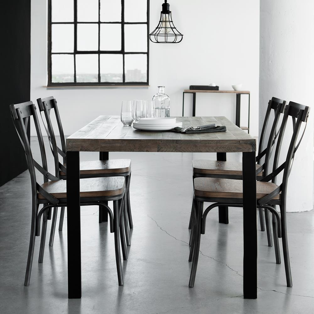 Table chaises bois metal blog decoration maison - Maison bois metal ...