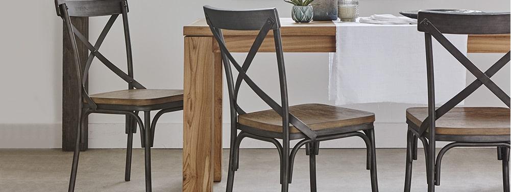 Du mobilier en bois pour r chauffer l ambiance de votre for Table salle a manger qui ne prend pas de place