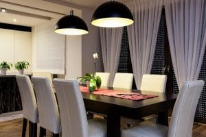 Urban apartment – Wooden table