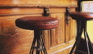 tabouret bar cuir