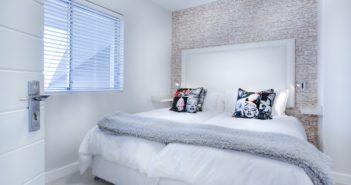 confort et détente dans la chambre à coucher