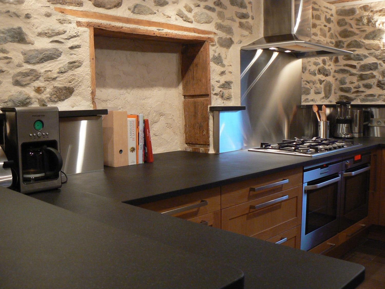 Installez une cuisine en pierre du Zimbabwe - Blog Decoration Maison