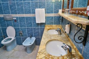bathroom-4436420_960_720