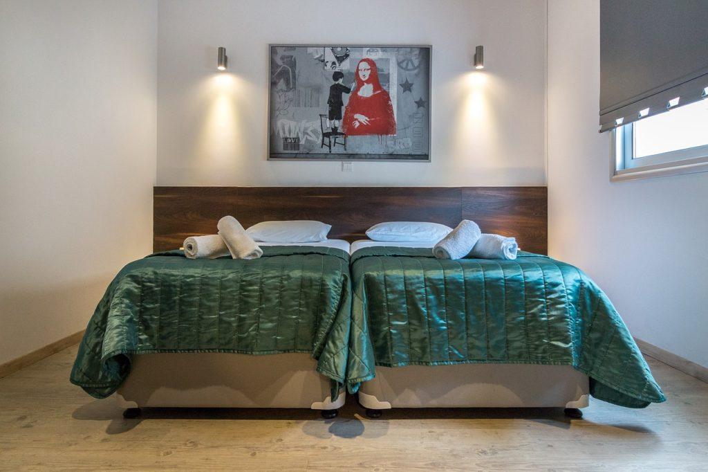 luxury-villas-1737167_1280